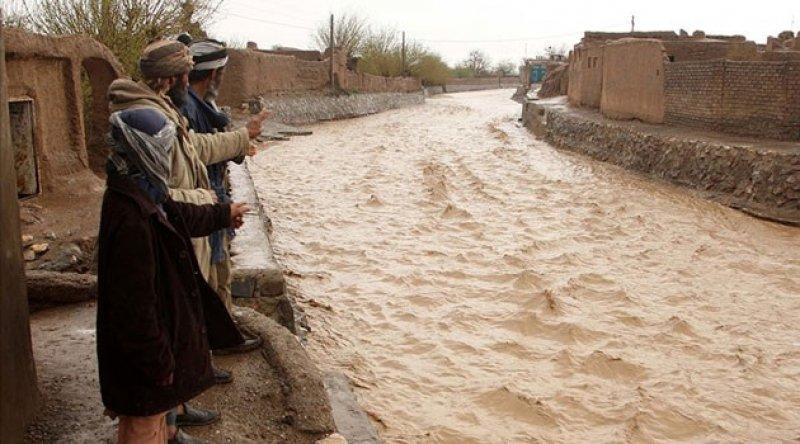 Afganistan'ı sel vurdu