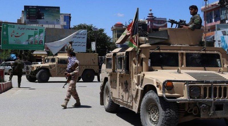 Afganistan'da üç kent Taliban tarafından kuşatma altına alındı