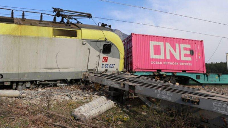 Adana'nın Pozantı ilçesinde tren kazası!