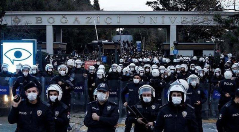 İstanbul Valiliği, Boğaziçi Üniversitesi eylemlerinde 159 kişinin gözaltına alındığını duyurdu