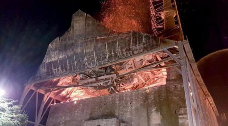 Avrupa'daki en eski Osmanlı camisi yandı